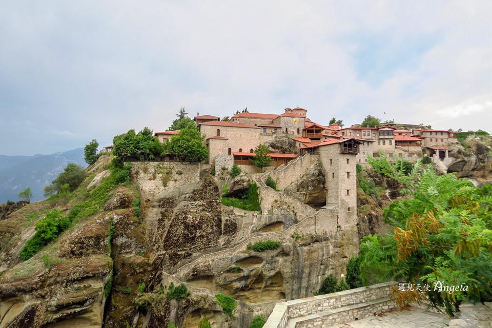 希臘天空之城最大修道院
