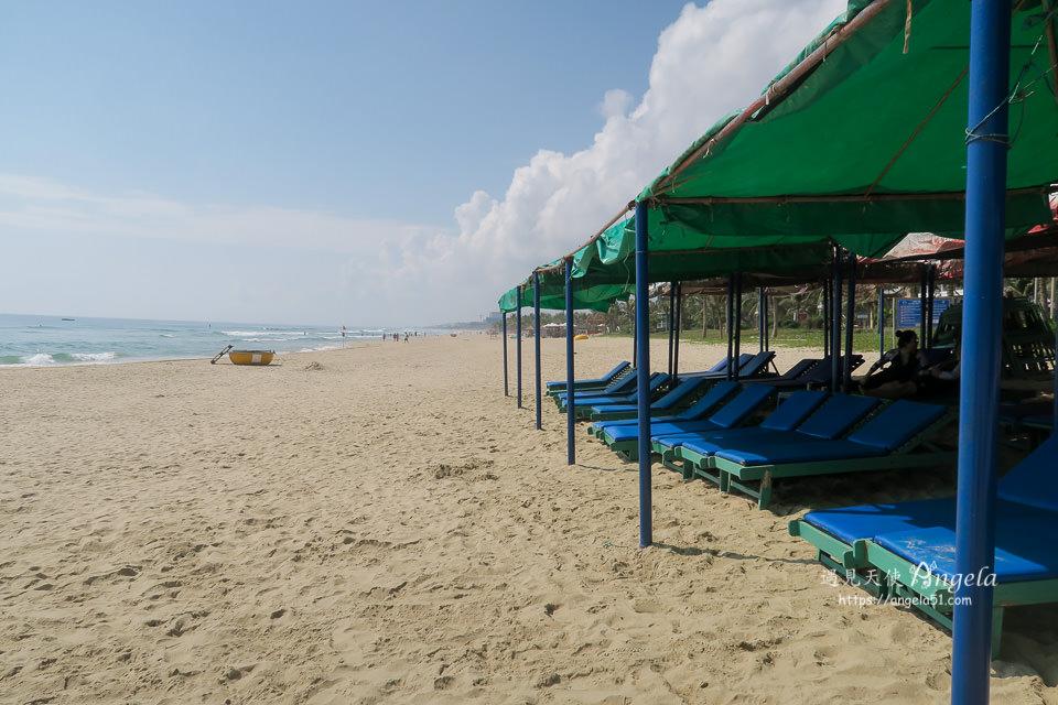 美溪沙灘 My Khe Beach遮陽傘