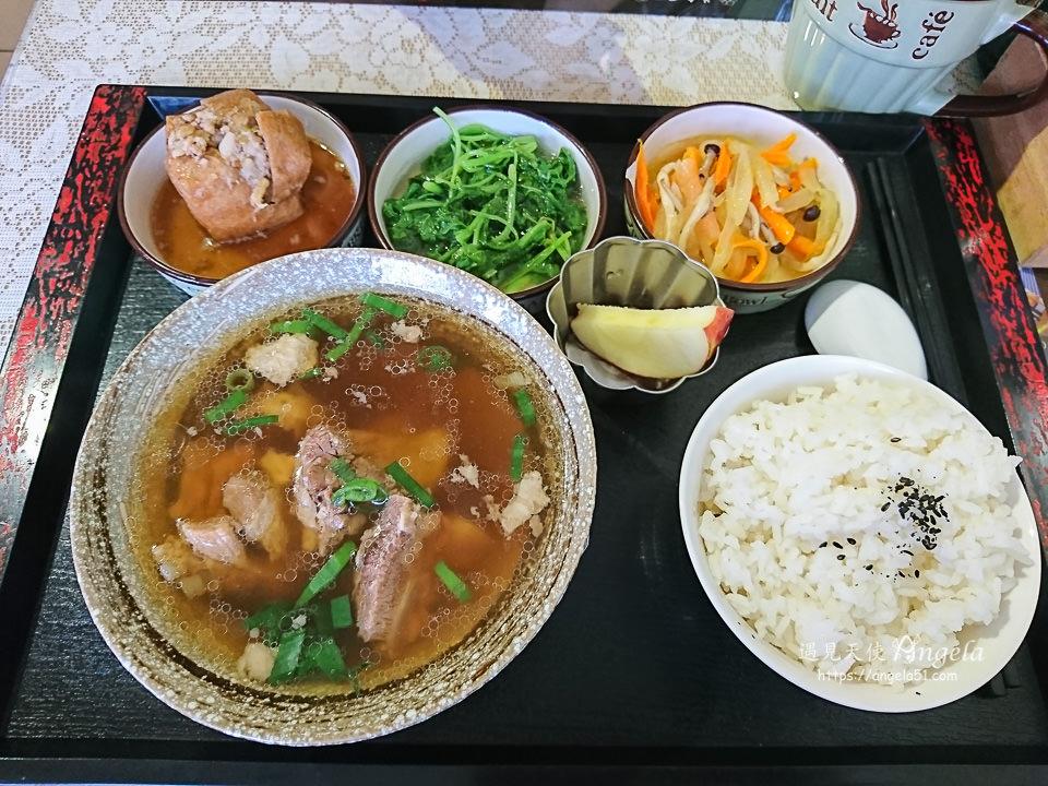安坑美食新加坡肉骨茶