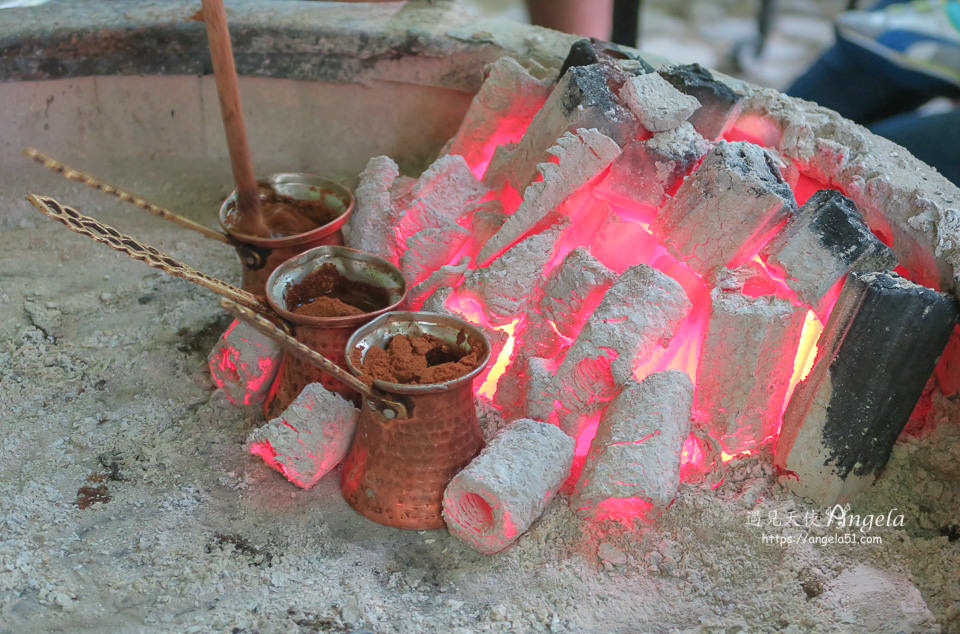 番紅花城百年炭火咖啡必吃