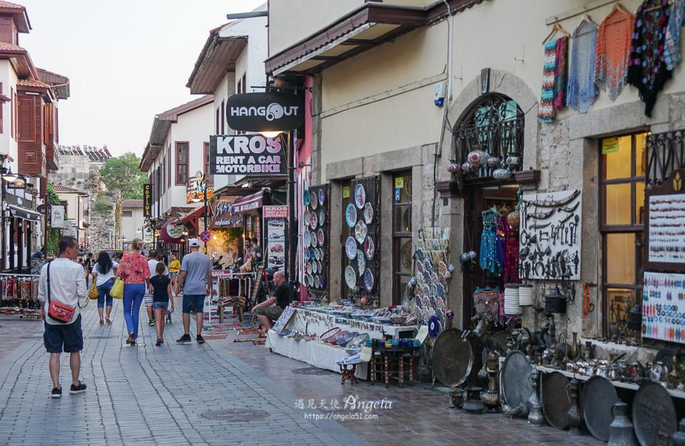 安塔利亞舊城區購物