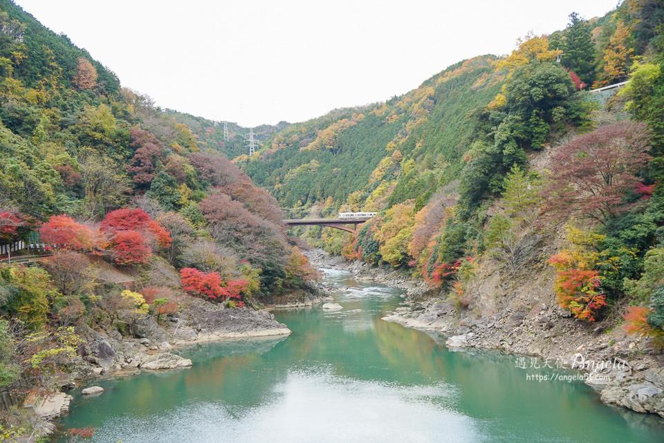 嵯峨野嵐山小火車
