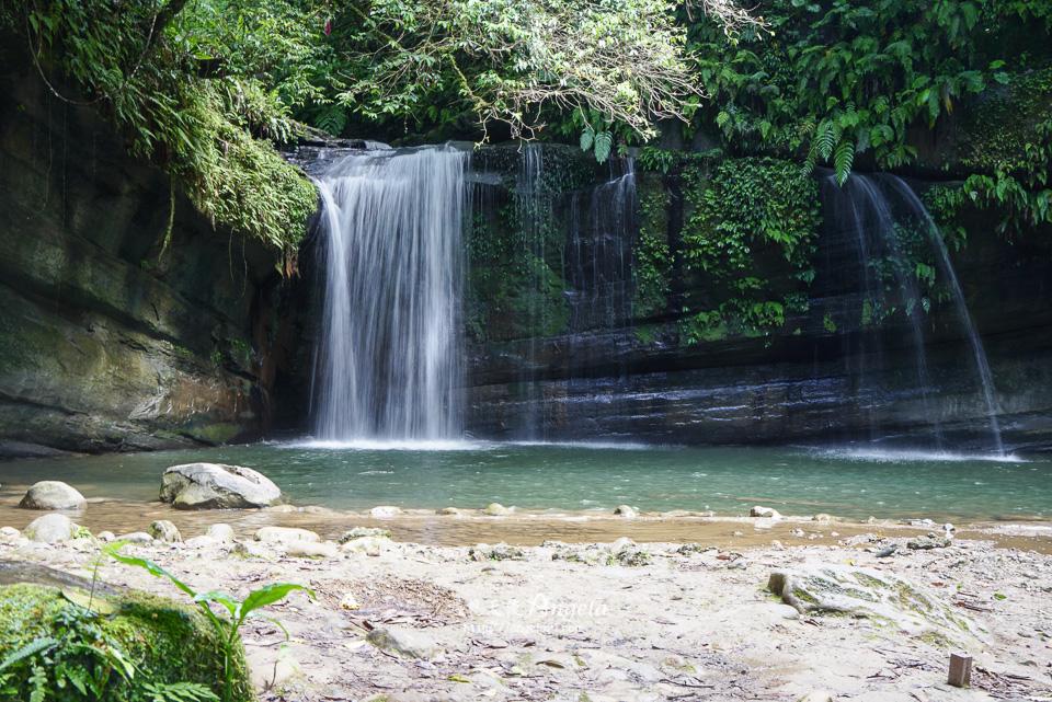 望谷瀑布小秘境