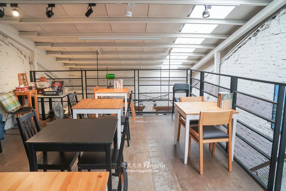 赤峰街書店咖啡廳浮光書店