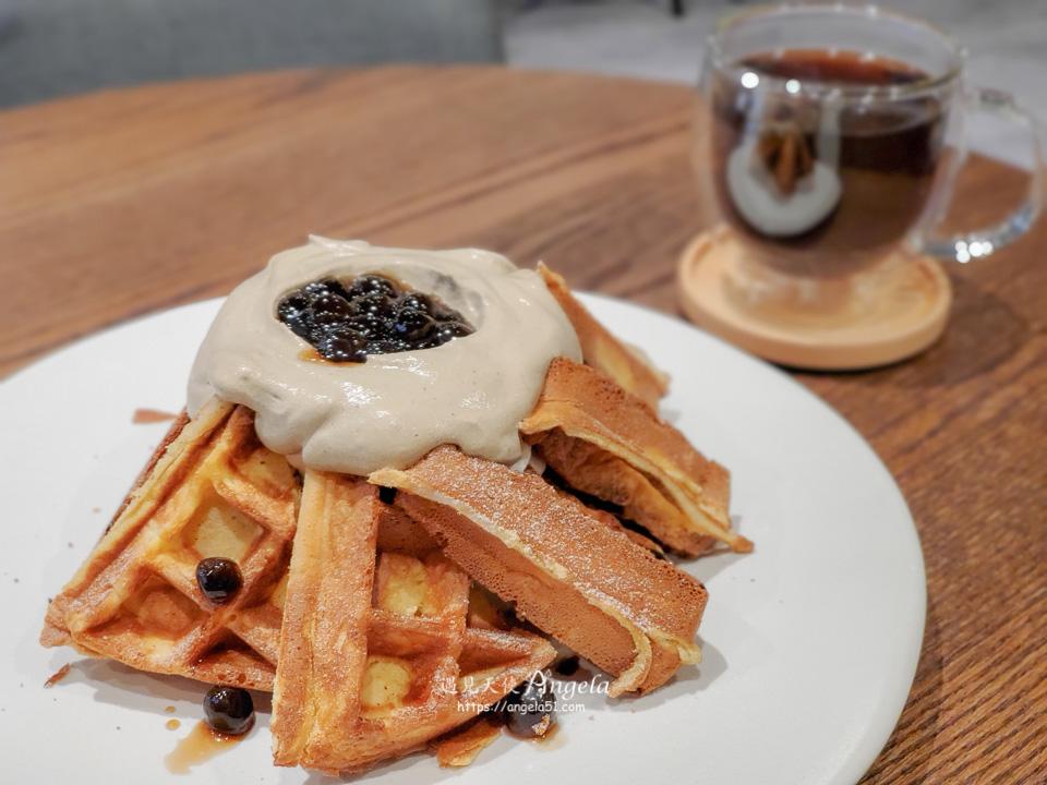 黑浮咖啡珍珠奶茶麻糬鬆餅