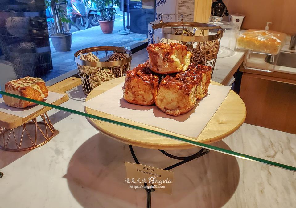 Heritage Bakery & Cafe 肉桂捲